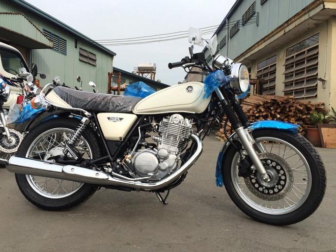 Moto Yamaha phong cach co dien 400 phan khoi ve Viet Nam hinh anh