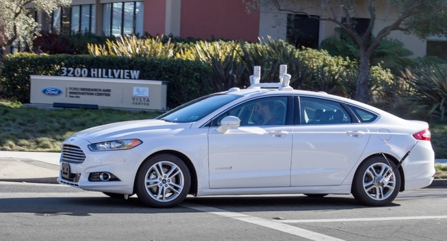 Google va Ford hop tac san xuat xe tu lai hinh anh