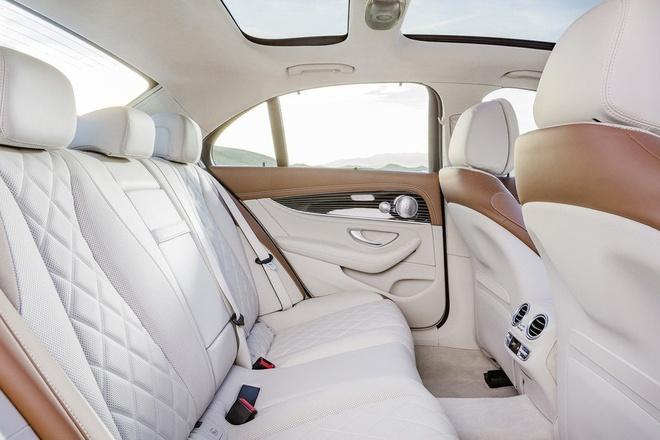 Mercedes-Benz E-Class moi lo anh ro net hinh anh 7
