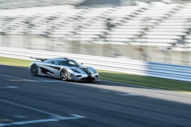 Sieu xe Koenigsegg One:1 rao ban gia 6 trieu USD hinh anh 2