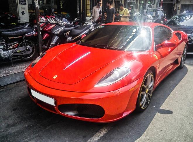 Sieu xe Ferrari F430 xuat hien tren duong pho Sai Gon hinh anh 1