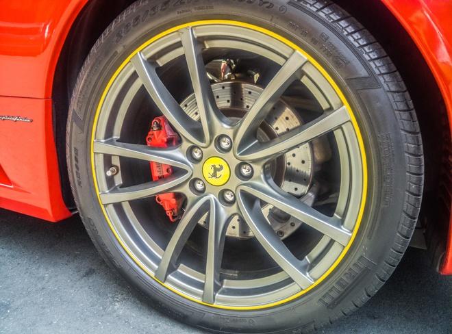Sieu xe Ferrari F430 xuat hien tren duong pho Sai Gon hinh anh 4