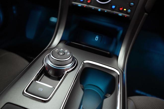 Ford Fusion 2017 - doi thu cua Toyota Camry va Honda Accord hinh anh 7