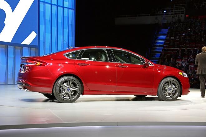 Ford Fusion 2017 - doi thu cua Toyota Camry va Honda Accord hinh anh 3