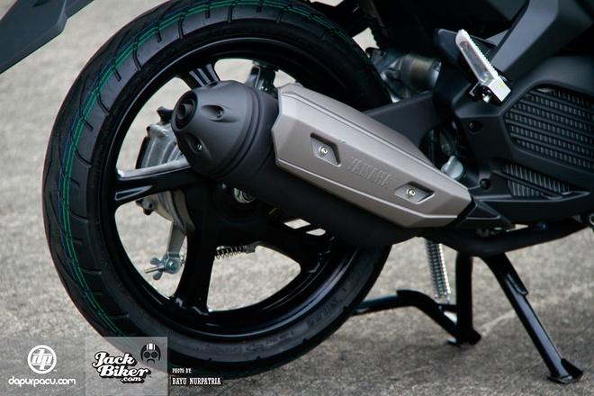 Chi tiet xe tay ga Yamaha Aerox 125LC moi ra mat hinh anh 8