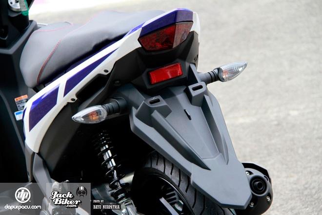 Chi tiet xe tay ga Yamaha Aerox 125LC moi ra mat hinh anh 6