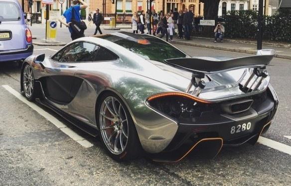 Sieu xe McLaren P1 trong bo canh chrome sang bong tai London hinh anh