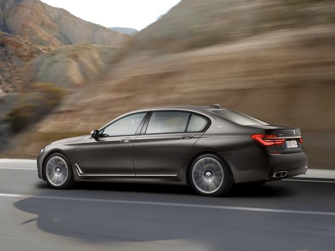 BMW M760Li xDrive moi cong suat 600 ma luc hinh anh 5
