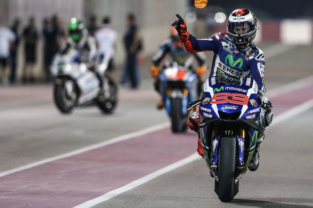 Chang 1 MotoGP 2016: Lorenzo tren duong bao ve ngoi vo dich hinh anh