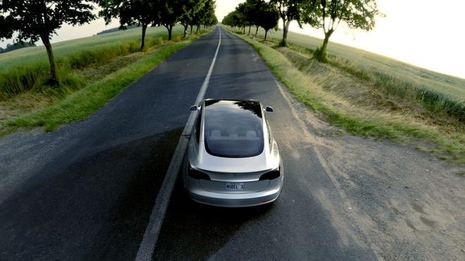 Tesla trinh lang oto dien Model 3 hinh anh 6