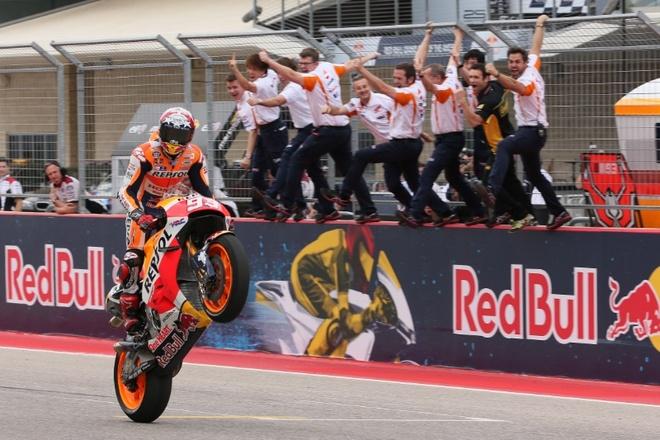 MotoGP chang 3: Nai cung nga ngua hinh anh 5
