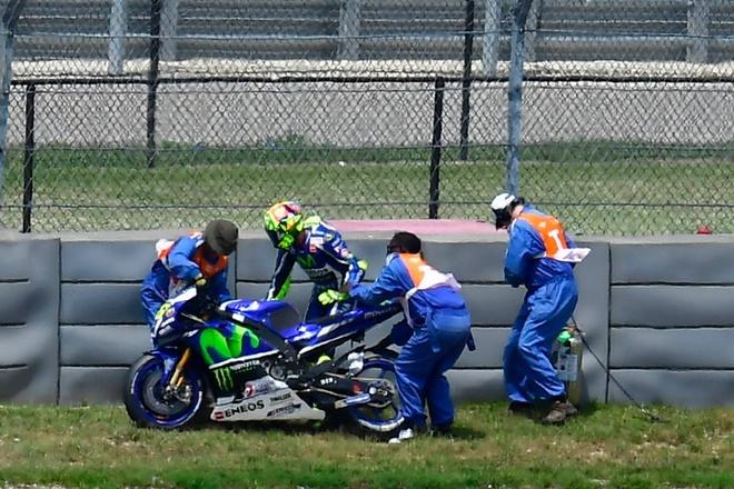 MotoGP chang 3: Nai cung nga ngua hinh anh 3
