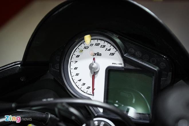Aprilia Tuono 2016 - doi thu cua Kawasaki Z1000 tai Viet Nam hinh anh 5