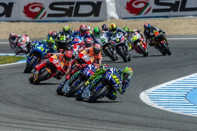 MotoGP 2016 chang 4: San choi rieng cua Valentino Rossi hinh anh