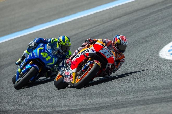 MotoGP 2016 chang 4: San choi rieng cua Valentino Rossi hinh anh 3