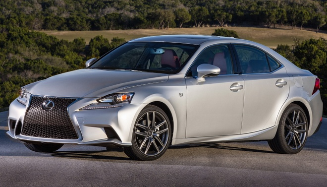 Lexus IS 2017 anh 10