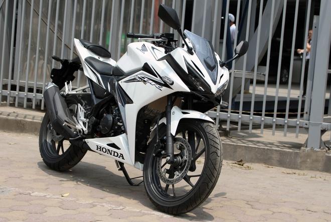 Honda CBR150R 2016 dau tien ve Ha Noi, gia khoang 100 trieu hinh anh
