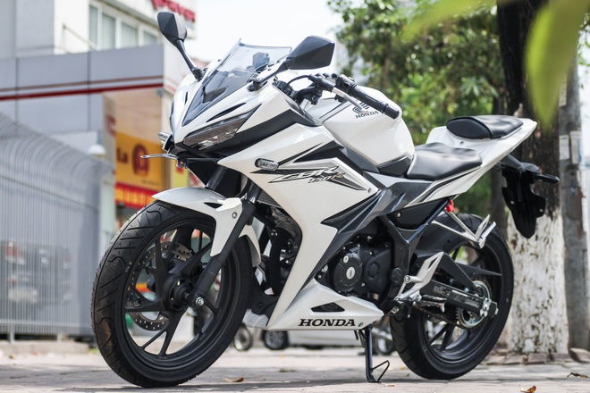 Honda CBR150R 2016 tai VN: the thao hon, giong Yamaha R15 hinh anh
