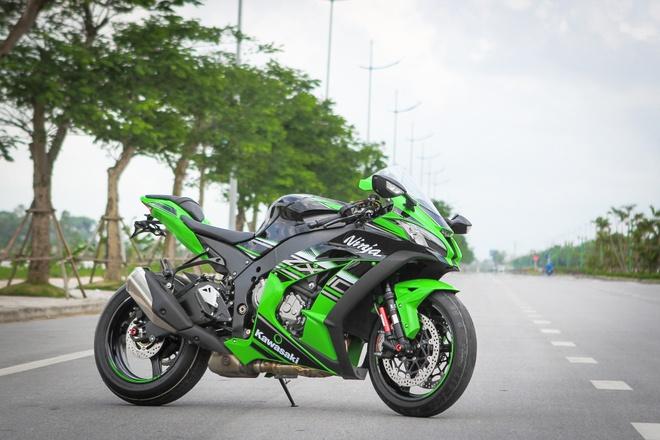 Kawasaki ZX-10R 2016 dau tien tai Ha Noi gia hon 500 trieu hinh anh