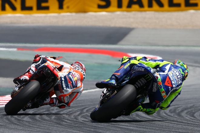 MotoGP 2016 chang 7: Rossi danh bai Marquez hinh anh 2