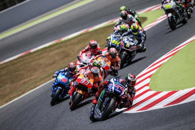 MotoGP 2016 chang 7: Rossi danh bai Marquez hinh anh 1