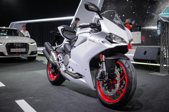 Chi tiet sieu moto Ducati 959 Panigale tai Ha Noi hinh anh