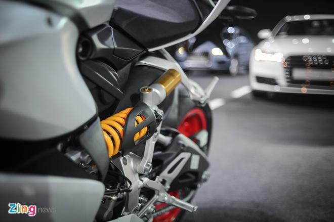 Chi tiet sieu moto Ducati 959 Panigale tai Ha Noi hinh anh 9