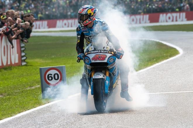 MotoGP 2016 chang 8: Chien thang bat ngo cua tay dua la hinh anh