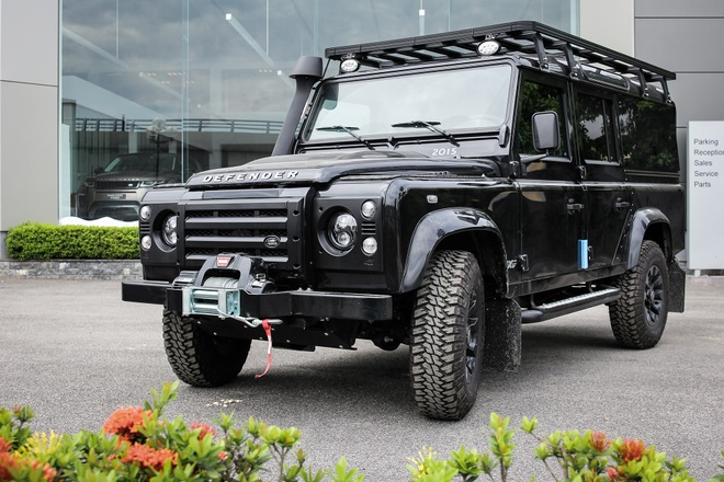 Xe off-road Land Rover Defender hon 2 ty ve Viet Nam hinh anh