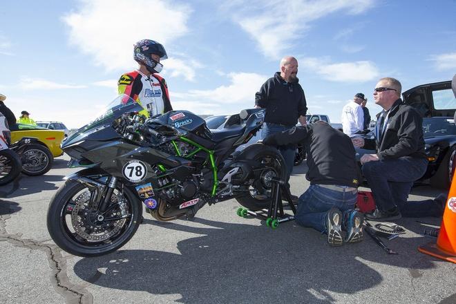 Sieu moto Kawasaki Ninja H2 do dat van toc 363 km/h hinh anh