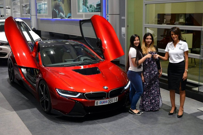 BMW i8 doc nhat vo nhi cua cong chua Abu Dhabi hinh anh