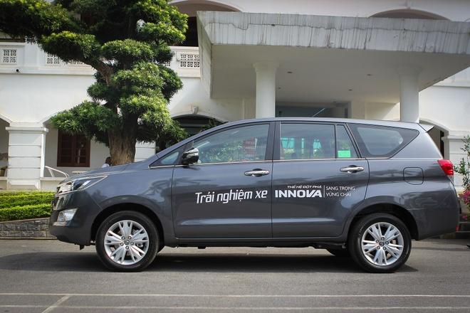 Anh thuc te Toyota Innova 2.0V 2016 gia gan 1 ty dong hinh anh