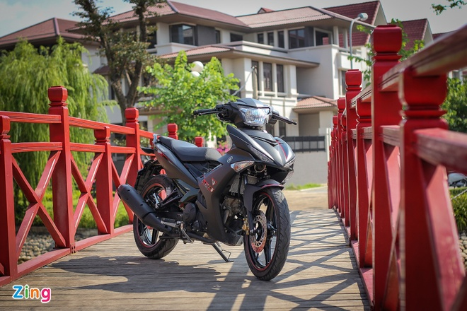 Exciter 150 Matte Black cung co vi the 'Vua duong pho' hinh anh 1
