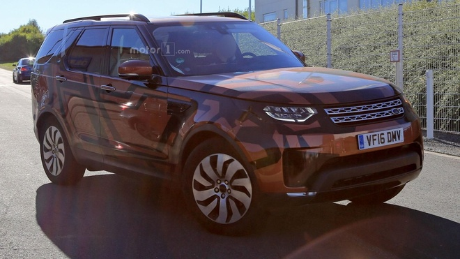 Land Rover Discovery 2017 lo dien ro net tren duong chay thu hinh anh