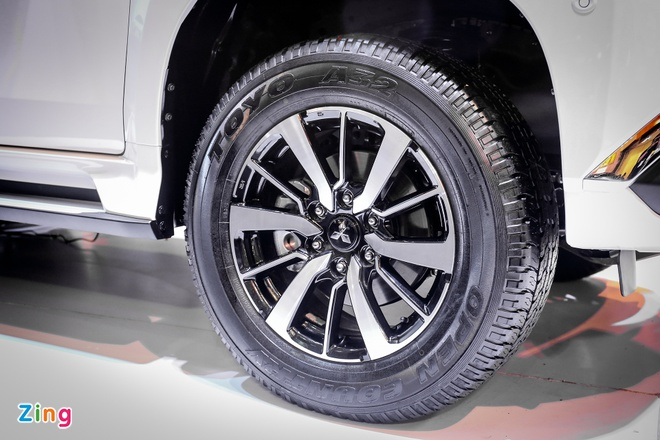 Pajero Sport 2016 gia tu 1,4 ty, canh tranh Toyota Fortuner hinh anh 4