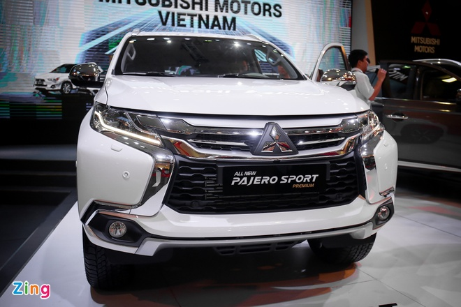 Pajero Sport 2016 gia tu 1,4 ty, canh tranh Toyota Fortuner hinh anh 2