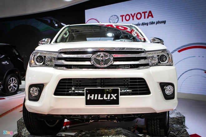 Toyota Hilux moi thay dong co, gia tu 697 trieu tai Viet Nam hinh anh 2