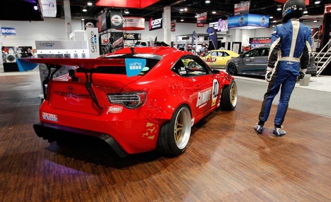 Xe the thao Toyota 86 gan dong co Ferrari hinh anh 5