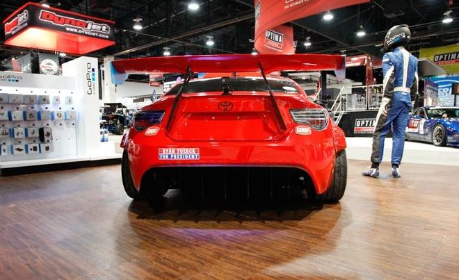 Xe the thao Toyota 86 gan dong co Ferrari hinh anh 4