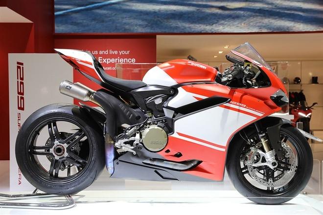 Ducati gioi thieu sieu moto 1299 Superleggera 215 ma luc hinh anh