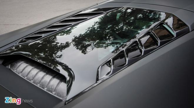 Lamborghini Huracan mau den mo doc nhat Viet Nam xuong pho hinh anh 7