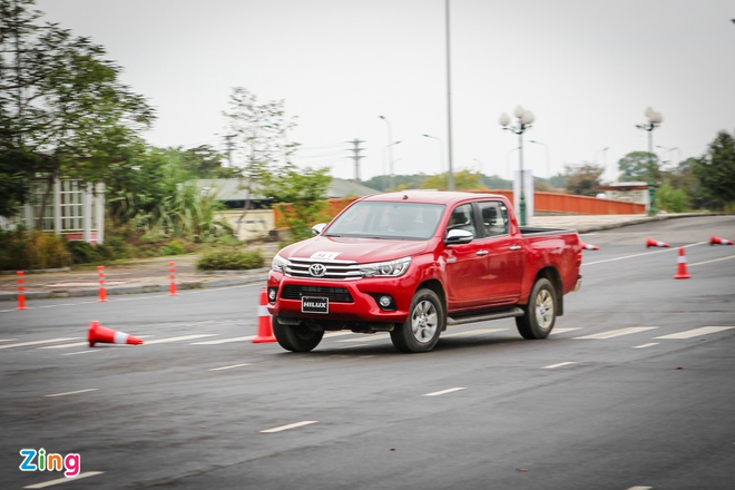 Toyota Hilux 2016 2.8G AT: Van hanh an tuong, cach am tot hinh anh 2
