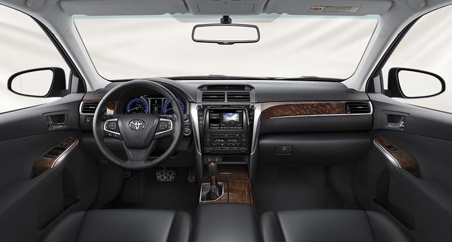 Toyota Camry 2016 giam gia ban anh 3