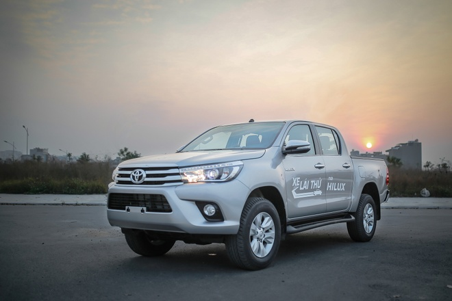 Anh Toyota Hilux 2.8G 2016 gia 870 trieu dong hinh anh