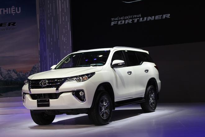 Toyota Fortuner 2017 gia cao nhat 1,3 ty tai Viet Nam hinh anh 1
