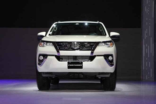 Toyota Fortuner 2017 gia cao nhat 1,3 ty tai Viet Nam hinh anh 3