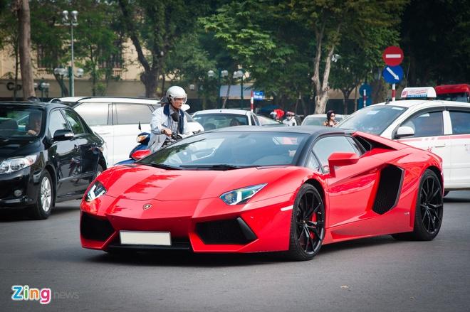 Lamborghini Aventador Roadster hon 20 ty tai Ha Noi anh 2