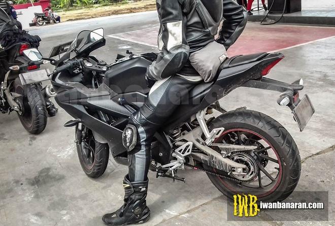 Yamaha YZF-R15 hoan toan moi tiep tuc lo anh chay thu hinh anh