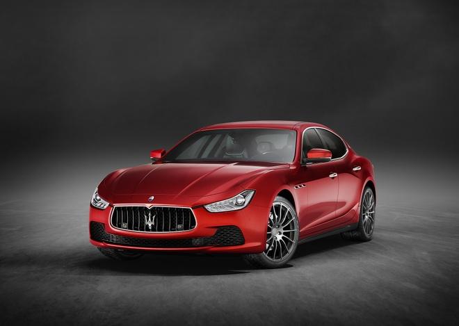 Maserati Ghibli 2017 tang them cong suat va trang bi an toan hinh anh 1