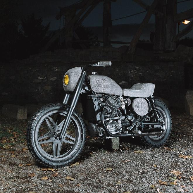 Moto Honda 500 phan khoi voi dan vo lam tu da hinh anh 2